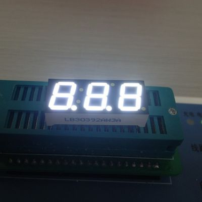 Wide Viewing Angle Surface Mount 7 Segment LED Display Triple Digit Long Lifespan